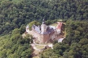 (c) Burg Falkenstein