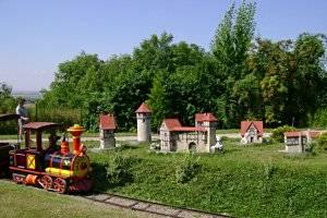 (c) Burgenland Eckartsberga