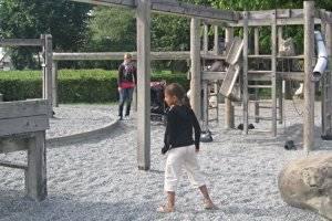 Spielplatz am Taubenbrunnen in Halle Neustadt (c) Adriana