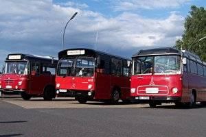 Mit historischen Omnibussen durch die Hamburger Vier- und Marschlande (c) VHH PVG