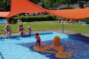 (c) Waldschwimmbad Holzhausen
