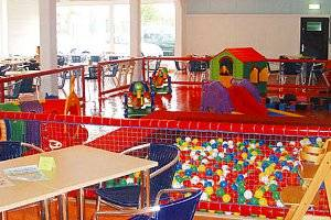 Spielen im Sternenland (c) Familien-Hallenspielplatz Sternenland in Idar Oberstein