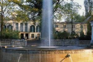 (c) Schloss Glienicke Berlin