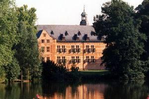 (c) Schloss Reinbek