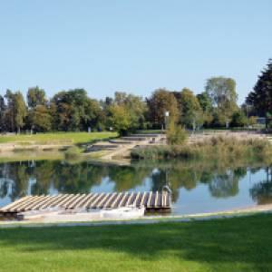 Blick auf den Badesee im AQWA Badepark Walldorf