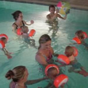 Schwimmunterricht im Schwimm- und Saunabad Aquamarina Berlin
