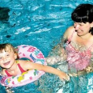Schwimmen in den Badegärten Eibenstock (c) Badegärten Eibenstock