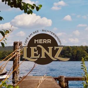 Herr Lenz am See