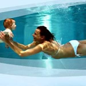 Babyschwimmen im Johannisbad in Freiberg
