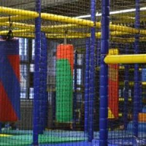 Tobebereich im Indoor-Spielplatz