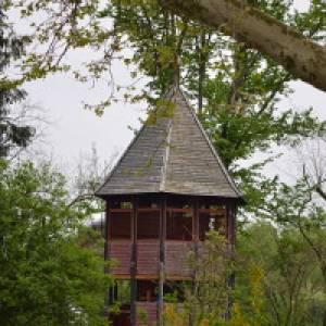 Blick auf den Spielturm