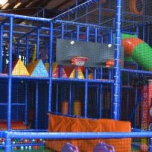 kindergeburtstag in der w lpi spielfabrik feiern mamilade ausflugsziele. Black Bedroom Furniture Sets. Home Design Ideas