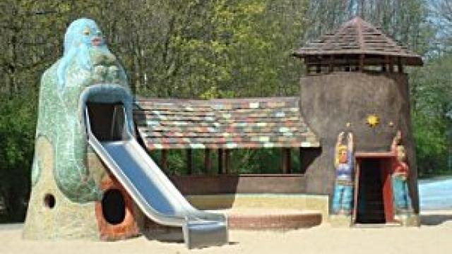 Das Lehmdorf Makunaima im Britzer Garten in Berlin