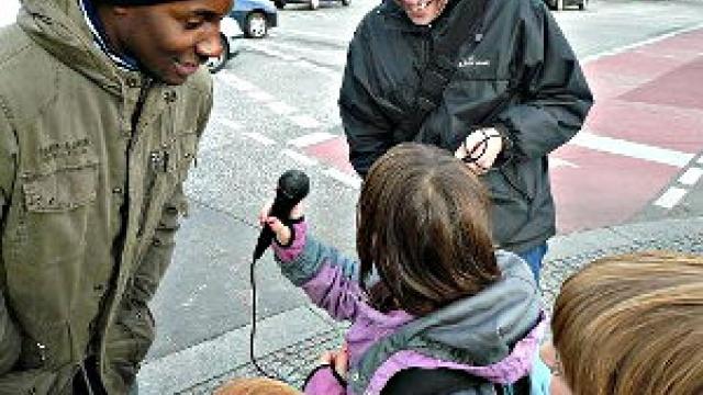 Hörspiele zum Mitlaufen für Familien in Berlin