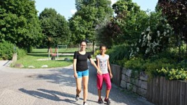 Spaziergang auf der Rheinpromenade Bonn