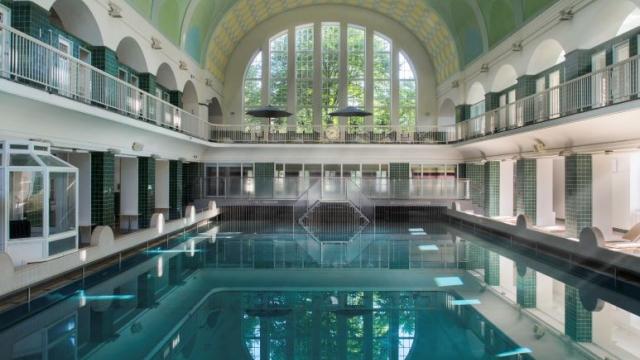 Das Holthusenbad - ein Hallenbad in Hamburg - Eppendorf
